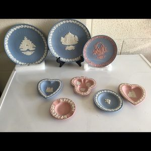 💐💝8 PIECES WEDGWOOD COLLECTIBLE PLATES.💐💝